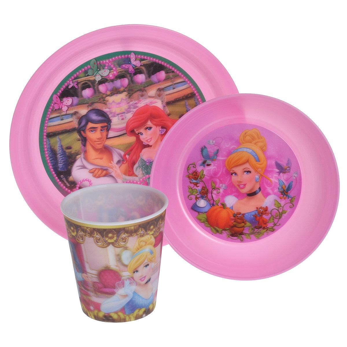 Набор детской посуды Принцессы, цвет: розовый, 3 предметаNPR9-1Набор детской посуды Принцессы состоит из стакана, миски и тарелки. Посуда, выполненная из пищевого пластика розового цвета, оформлена изображениями принцесс - героинь диснеевских мультфильмов. Рисунки находятся под слоем прозрачного структурного пластика (линзы), создающего эффект объемного изображения, как в 3D кино, и исключающего попадание краски в жидкость. Небьющаяся посуда, красивая, легкая и удобная в уходе, прекрасно выдерживает горячую пищу. Ваш малыш с удовольствием будет кушать вместе с любимыми героинями. Характеристики: Размер миски: 14,5 см х 14,5 см х 4,5 см. Размер тарелки: 19,5 см х 19,5 см х 2 см. Объем стакана: 280 мл. Высота стакана: 8,5 см.