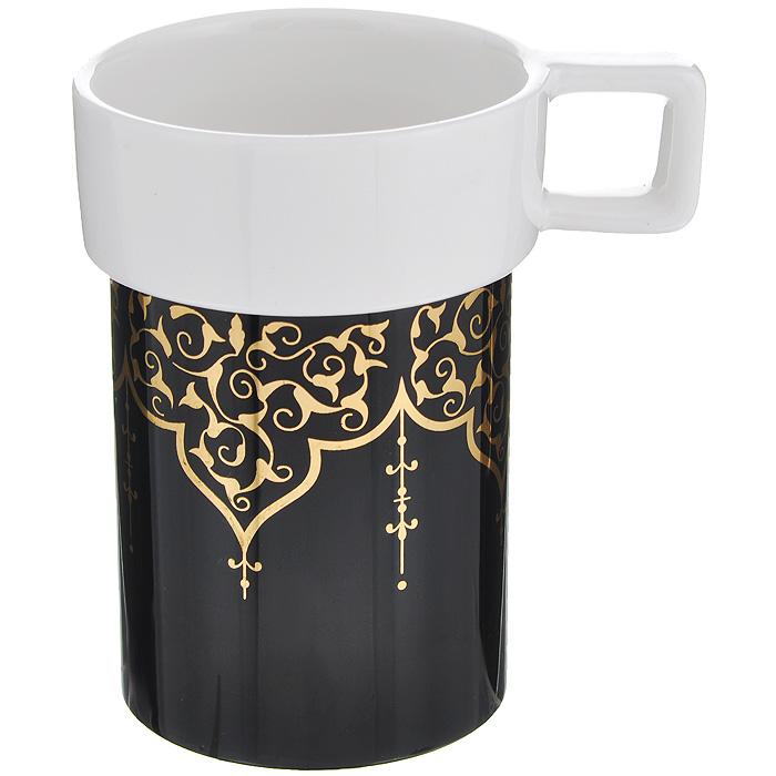 Кружка Amber Porcelain, 220 мл. 214183214183Кружка Amber Porcelain, выполненных из фарфора. Кружка оригинальной формы оформлены золотистым орнаментом. Дно кружки оснащено силиконовой накладкой. Такая кружка порадует вас дизайном и функциональностью, а пить чай или кофе из нее станет еще приятнее.