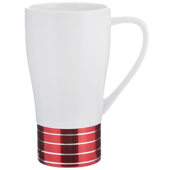 Кружка Amber Porcelain, цвет: белый, красный, 500 мл214187Кружка Amber Porcelain, выполненная из фарфора, имеет оригинальную форму. Дно изделия оснащено силиконовой накладкой. Такая кружка порадует вас дизайном и функциональностью, а пить чай или кофе из нее станет еще приятнее.