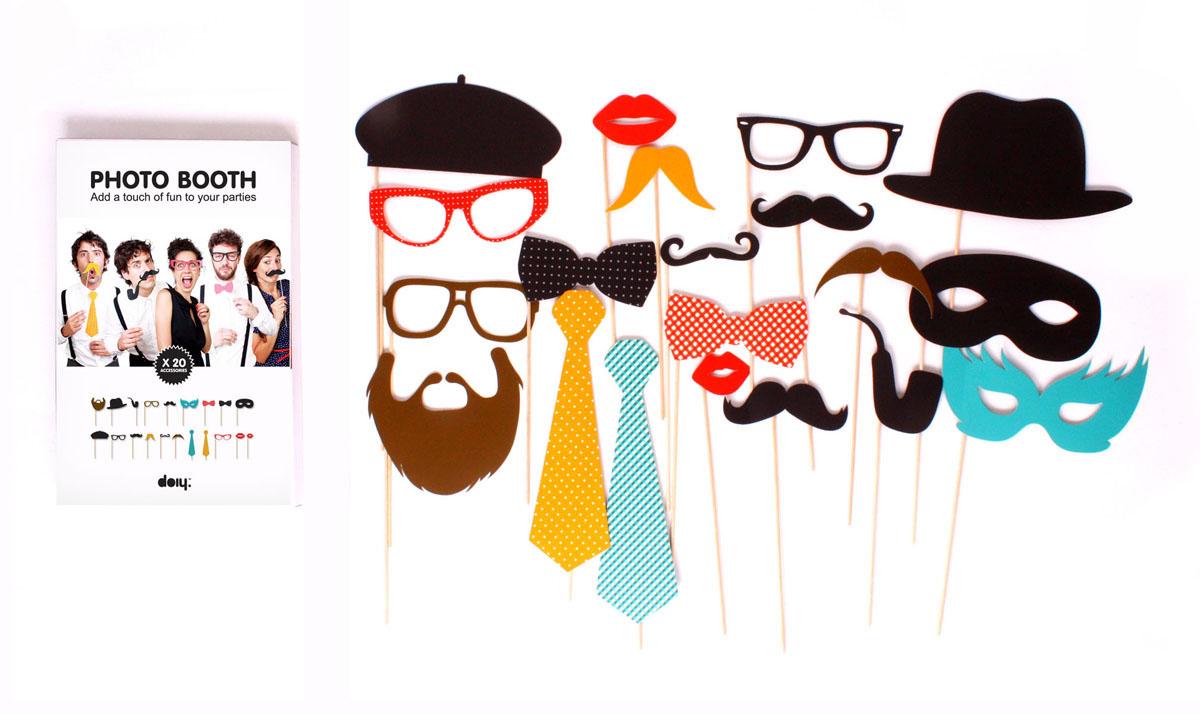 Набор фотоаксессуаров Photo Booth, 20 штDOPBPARНабор Photo Booth состоит из 20 забавных аксессуаров для веселых фотографий на стилизованной вечеринке или свадьбе. Набор Photo Booth позволит прекрасно провести время и сделает вечеринку незабываемой для вас и ваших гостей. В наборе: очки, маски, галстуки и бабочки, головные уборы, усы и бороды, а также алые губы. Вы вместе с друзьями сможете примерить на себя любой из этих образов и сфотографироваться в каждом из них. Характеристики: Материал: бумага, дерево. Комплектация: 20 шт.