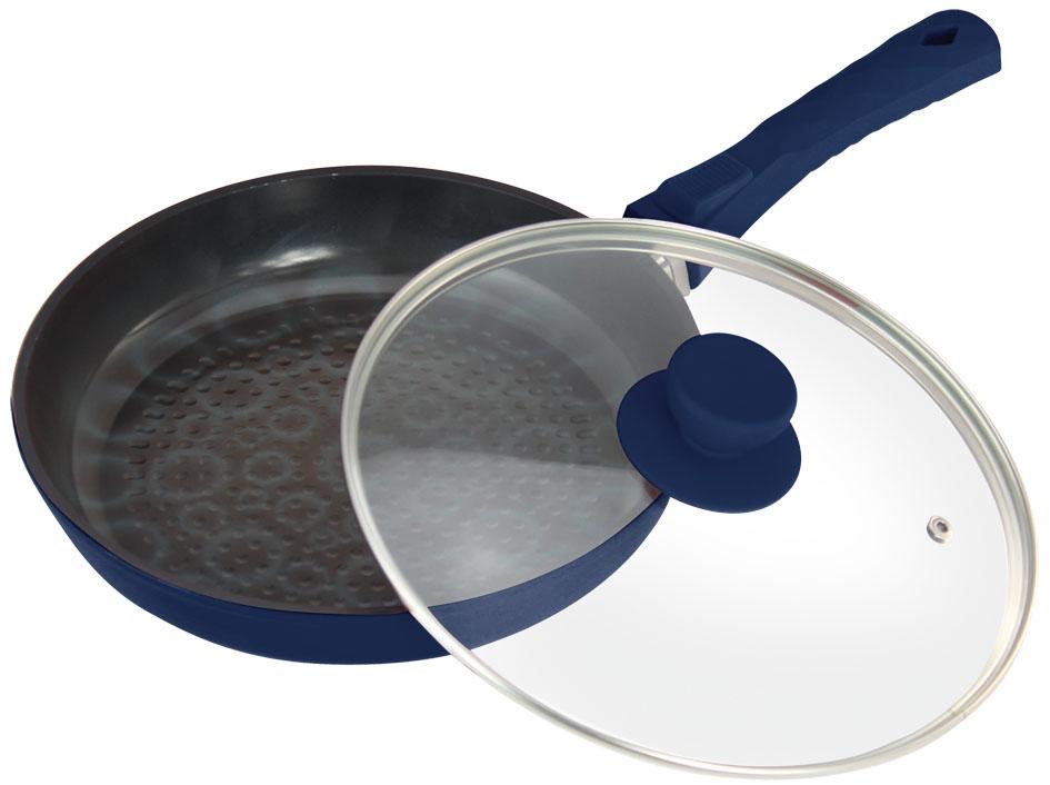 Сковорода Bohmann с крышкой, с керамическим 3D покрытием, цвет: синий. Диаметр 26 см. 7026BH/3D7026BH/3DСковорода Bohmann изготовлена из литого алюминия с антипригарным керамическим покрытием черного цвета с эффектом 3D. Внешнее покрытие - жаростойкий лак, который сохраняет цвет долгое время. Благодаря керамическому покрытию пища не пригорает и не прилипает к поверхности сковороды, что позволяет готовить с минимальным количеством масла. Кроме того, такое покрытие абсолютно безопасно для здоровья человека, так как не содержит вредной примеси PFOA. Рифленая внутренняя поверхность сковороды обеспечивает быстрое и легкое приготовление. Она также оформлена рисунком с эффектом 3D. Достоинства керамического покрытия: - устойчивость к высоким температурам и резким перепадам температур, - устойчивость к царапающим кухонным принадлежностям и абразивным моющим средствам, - устойчивость к коррозии, - водоотталкивающий эффект, - покрытие способствует испарению воды во время готовки, - длительный срок службы, - безопасность для окружающей...