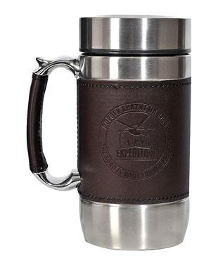 Кружка-термос Файв-О-Клок, 450 млEKTER-450Что может быть лучше термокружки с прочной двойной колбой, сохраняющей долго тепло и вкус напитка? Только термокружка с ситечком, чтобы заваривать чай прямо в ней, а не только наливать! Засыпьте чай, залейте кружку горячей водой, и ароматный настоянный чай вам обеспечен - дома, в офисе, в машине или даже в поезде. Обшивка из кожзаменителя на колбе и на ручке предохраняет вас от ожогов, а плотная крышка гарантирует, что вода из нее не протечет. Пейте вкусный и горячий чай!