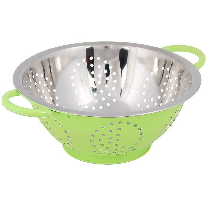 Дуршлаг Bohmann, цвет: салатовый, диаметр 28 см8028BH/COLORДуршлаг Bohmann, изготовленный из нержавеющей стали, станет полезным приобретением для вашей кухни. С внешней стороны дуршлаг покрыт цветной эмалью. Он идеально подходит для процеживания, ополаскивания и стекания макарон, овощей, фруктов. Дуршлаг оснащен устойчивым основанием и удобными ручками по бокам.