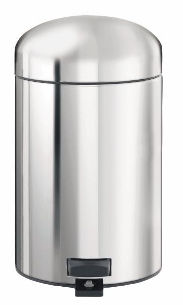 Ведро для мусора Brabantia Retro, с педалью, 3 л361180Овальное ведро для мусора Brabantia Retro, выполненное из стали и пластика, обеспечит долгий срок службы и легкую чистку. Ведро оснащено педалью, с помощью которой можно открывать крышку. Пластиковая основа ведра предотвращает повреждение пола. Благодаря специальной липучке на педали ведро будет надежно зафиксировано. Внутренняя часть - пластиковое ведерко, которое легко можно вынуть. В комплект входят пакеты для ведра. Ведро Brabantia Retro поможет вам держать мусор в порядке и предотвратит распространение неприятного запаха.