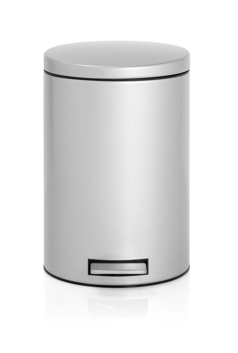 Бак мусорный Brabantia Бесшумный, с педалью, цвет: металлик, 12 л478062Педальный бак Brabantia на 12 литров поистине универсален и идеально подходит для использования на кухне или в гостиной. Достаточно большой для того, чтобы вместить весь мусор, при этом достаточно компактный для того, чтобы аккуратно разместиться под рабочим столом. Механизм MotionControl обеспечивает мягкое действие педали и бесшумное открывание крышки; Удобный в использовании - при открывании вручную крышка фиксируется в открытом положении, закрывается нажатием педали; Надежный педальный механизм, высококачественные коррозионно-стойкие материалы; Удобная очистка - прочное съемное внутреннее пластиковое ведро; Предохранение пола от повреждений - пластиковое защитное основание; Всегда опрятный вид - идеально подходящие по размеру мешки для мусора с завязками (размер C); 10-летняя гарантия Brabantia.