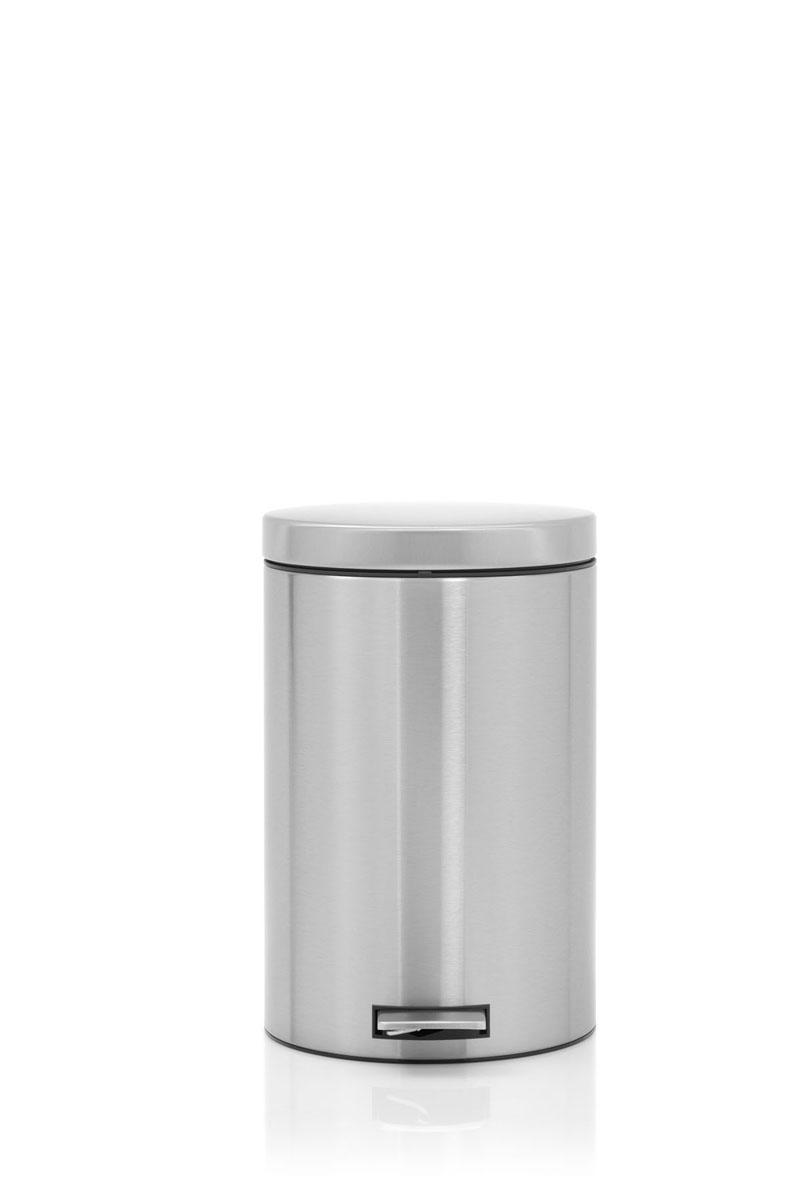 Бак мусорный Brabantia Бесшумный, с педалью, цвет: матовая сталь, 20 л478406Элегантный и функциональный мусорный бак Brabantia с педалью на 20 л идеально подходит для использования на кухне и сортировки мусора. Механизм MotionControl обеспечивает мягкое действие педали и бесшумное открывание крышки; Удобный в использовании - при открывании вручную крышка фиксируется в открытом положении, закрывается нажатием педали; Идеальное решение для раздельного сбора мусора - съемное отдельное ведро для отходов, пригодных для компостирования (1,5 л); Надежный педальный механизм, высококачественные коррозионно-стойкие материалы; Удобная очистка - съемное внутреннее пластиковое ведро; Отличная устойчивость даже на мокром и скользком полу – нескользящая основа; Предохранение пола от повреждений - пластиковое защитное основание; Всегда опрятный вид – идеально подходящие по размеру мешки для мусора с завязками (размер 15-20 л, размер E); 10-летняя гарантия Brabantia. Характеристики: Материал: сталь. Размер:...