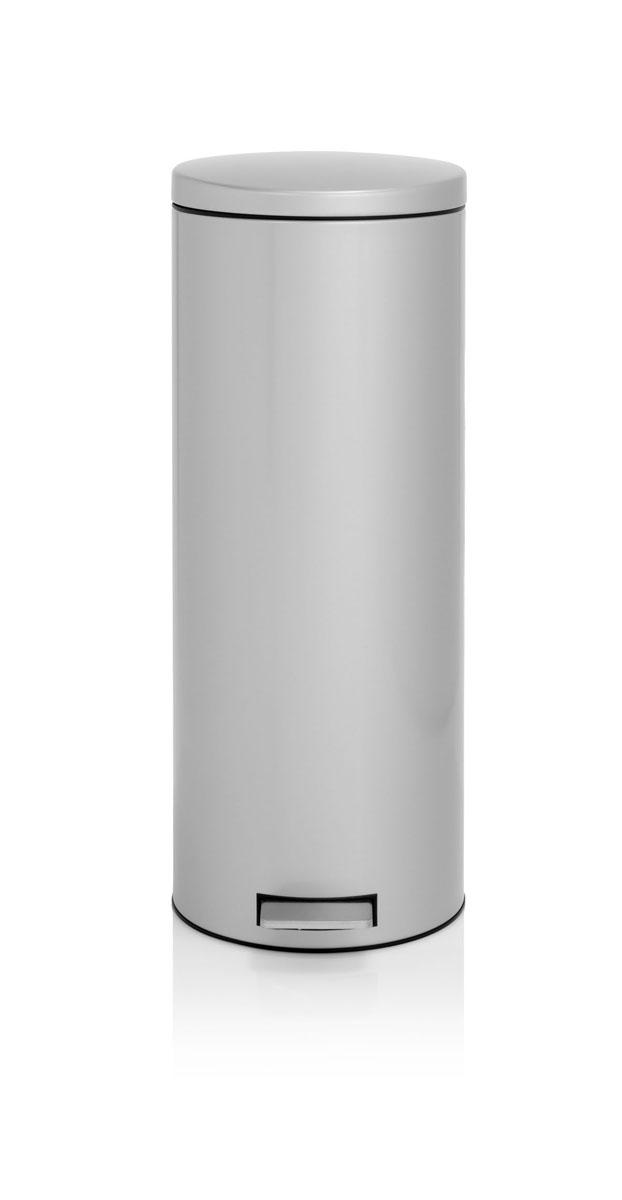 Бак мусорный Brabantia Бесшумный, высокий, с педалью, цвет: металлик, 20 л478529Элегантный и высокий мусорный бак Brabantia с уникальным механизмом MotionControl идеально подходит для использования на кухне или в гостиной. Механизм MotionControl обеспечивает мягкое действие педали и бесшумное открывание крышки; Надежный педальный механизм, высококачественные коррозионно-стойкие материалы; Удобный в использовании - при открывании вручную крышка фиксируется в открытом положении, закрывается нажатием педали; Удобная очистка – съемное внутреннее пластиковое ведро; Бак удобно перемещать - прочная ручка для переноски; Отличная устойчивость даже на мокром и скользком полу – противоскользящее основание; Предохранение пола от повреждений - пластиковый защитный обод; Всегда опрятный вид - идеально подходящие по размеру мешки для мусора с завязками (размер F); 10-летняя гарантия Brabantia.