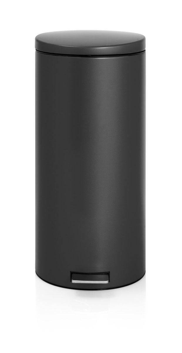 Бак мусорный Brabantia Бесшумный, с педалью, цвет: матовый черный, 30 л478826Вместительный бак для отходов с мягким педальным управлением и бесшумной крышкой, закрывающейся мягко и бесшумно благодаря специальному механизму MotionControl - идеальное решение для кухни или гостиной. Бесшумное закрывание и мягкое действие педали - механизм MotionControl; Надежный педальный механизм, высококачественные коррозионно-стойкие материалы; Умная фиксация крышки - при открывании крышка не касается стены благодаря уникальной конструкции крепления; Удобная очистка – съемное внутреннее ведро из пластика; Бак удобно перемещать - прочная ручка для переноски; Отличная устойчивость даже на мокром и скользком полу – противоскользящее основание; Предохранение пола от повреждений - пластиковый защитный обод; Всегда опрятный вид – идеально подходящие по размеру мешки для мусора с завязками (размер G); 10-летняя гарантия Brabantia.