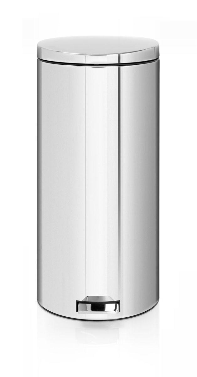 Бак мусорный Brabantia Бесшумный, с педалью, цвет: стальной, 30 л478840Вместительный бак для отходов с мягким педальным управлением и бесшумной крышкой, закрывающейся мягко и бесшумно благодаря специальному механизму MotionControl - идеальное решение для кухни или гостиной. Бесшумное закрывание и мягкое действие педали - механизм MotionControl; Надежный педальный механизм, высококачественные коррозионно-стойкие материалы; Умная фиксация крышки - при открывании крышка не касается стены благодаря уникальной конструкции крепления; Удобная очистка – съемное внутреннее ведро из пластика; Бак удобно перемещать - прочная ручка для переноски; Отличная устойчивость даже на мокром и скользком полу – противоскользящее основание; Предохранение пола от повреждений - пластиковый защитный обод; Всегда опрятный вид – идеально подходящие по размеру мешки для мусора с завязками (размер G); 10-летняя гарантия Brabantia. Характеристики: Материал: сталь. Размер: 330*370*755мм. Артикул: 478840.