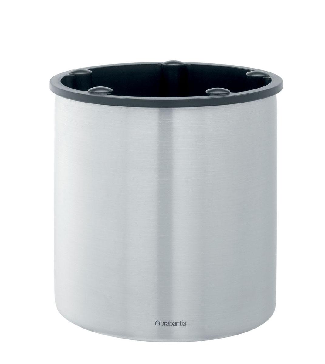 Подставка для кухонных принадлежностей Brabantia, высота 15 см313066Подставка для кухонных принадлежностей Brabantia изготовлена из высококачественной нержавеющей стали с матовой полировкой. Внутренняя поверхность пластиковая. Подставка оснащена 5 выемками для отделения приборов друг от друга. В такой подставке можно хранить все столовые приборы, а также кухонные принадлежности, такие как лопатки и половники. Подставка имеет стильный классический дизайн и одинаково хорошо впишется и в современный, и в классический интерьер. Можно мыть в посудомоечной машине. Диаметр подставки (по верхнему краю): 15 см. Высота подставки: 15 см.