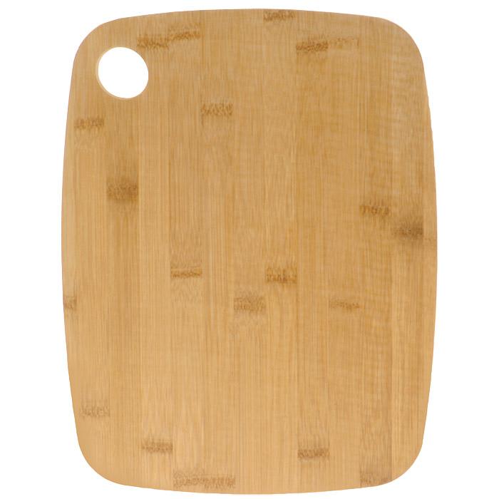 Доска разделочная Bohmann, двухсторонняя, 33 см х 25 см. 02503BH02503BH/NEWДвухсторонняя разделочная доска Bohmann, изготовленная из бамбука и пищевого пластика, займет достойное место среди аксессуаров на вашей кухне. Бамбуковая сторона идеально подходит для резки или рубки мяса и рыбы. Благодаря твердости бамбука и красоте структуры его древесины из него часто делают кухонные разделочные доски, которые также могут быть подставками под горячие кастрюли. Разделочные доски делают из прессованных бамбуковых плит, их поверхность твердая и гладкая, кроме того, они обладают хорошими водоотталкивающими и антибактериальными свойствами. Пластиковая сторона выполнена из специального антибактериального покрытия, абсолютно гигиенична, не впитывает запахи от нарезаемых на ней продуктов, прекрасно подходит для овощей и фруктов. Такая доска понравится любой хозяйке и будет отличным помощником на кухне. Нельзя мыть в посудомоечной машине.