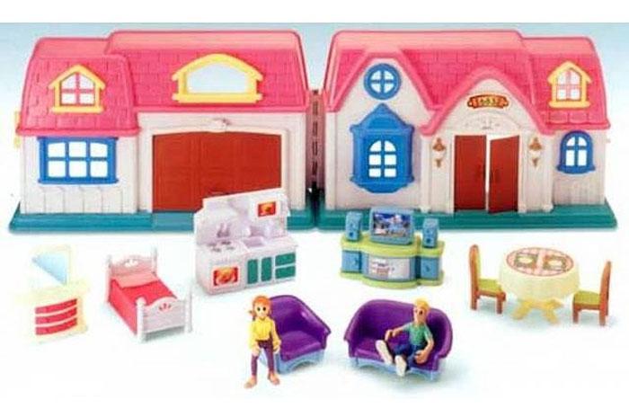 Набор Keenway  Home Sweet Home20151Набор Home Sweet Home - дом с предметами - лучшая игрушка для девочек. Производитель детских игрушек Keenway постоянно радует взрослых и детей качественной продукцией. Яркий пример такой игрушки – кукольный дом Home Sweet Home. В кукольном домике есть все необходимое для проживания: гостиная, гараж, спальня, кухня, где расположены плита и раковина. В доме живет семья – две подвижные фигурки, которые находятся в комплекте. В наборе находится и несколько предметов мебели и техники. Это стол и два стула, тумба с телевизором и диван, кресло и двуспальная кровать, кухонный гарнитур и туалетный стол с зеркалом. Двери гаража и дома открываются и закрываются. Дом раскрывается подобно книге, что позволяет в разложенном виде в нем расставить фигурки жильцов и мебель по желанию, после чего можно сложить дом и наблюдать за его жителями через окна. Сюжетно-ролевая игра помогает развить речь, моторику и координацию движений, логику, внимание и воображение, а так же способствует...