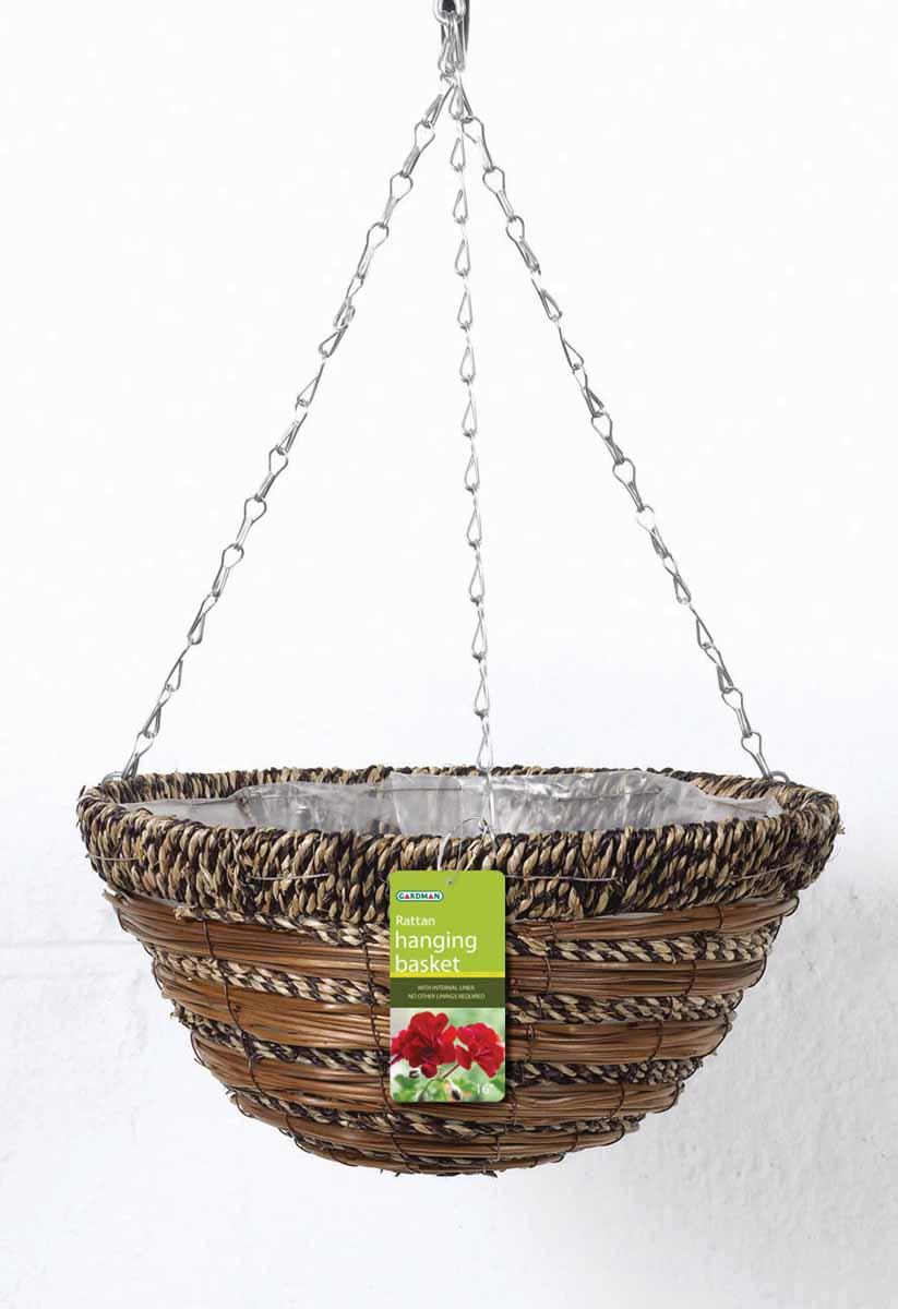 Корзина подвесная для цветов Gardman, диаметр 35 см. 0277102771Подвесная плетеная корзина Gardman изготовлена из сизалевого волокна. Каркас выполнен из металла. Корзина уже оснащена специальной пленкой и полностью готова для посадки растений. Прекрасно подходит для цветов. Подвешивается с помощью специальной тройной металлической цепи с крючком. Кашпо часто становятся последним штрихом, который совершенно изменяет интерьер помещения или ландшафтный дизайн сада. Благодаря такому кашпо вы сможете украсить вашу комнату, офис или сад.