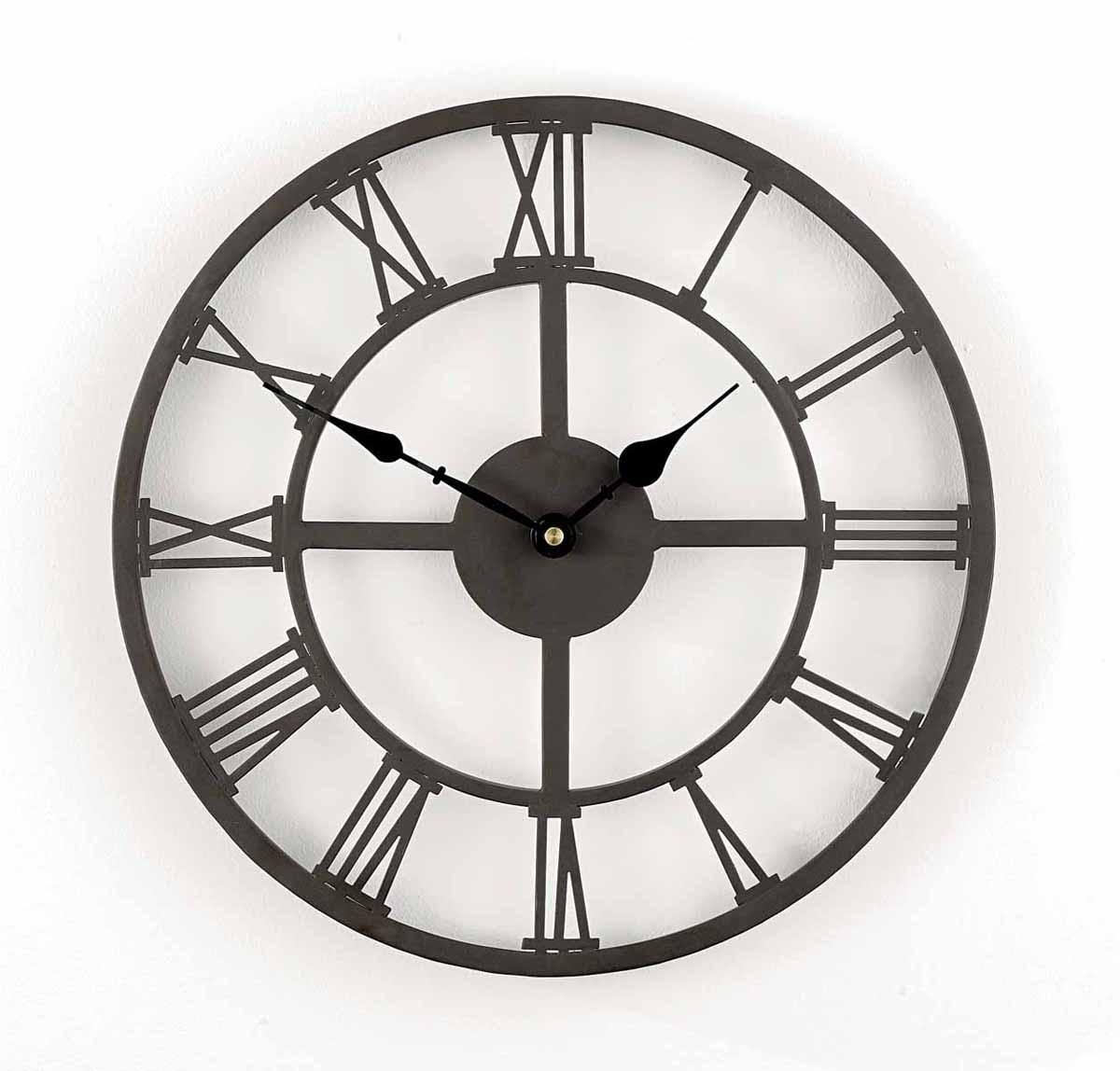 Часы настенные Римские. 1717517175Кварцевые настенные часы Римские, выполненные из металла с покрытием черного цвета, оригинально украсят интерьер помещения, а также прекрасно подойдут для уличного декора. Часы оформлены римскими цифрами и имеют две стрелки - часовую и минутную, крепятся к стене с помощью специальной петли. Часы Римские станут замечательным дизайнерским решением для декора сада, дачи или гостиной дома. Характеристики: Материал: металл,пластик. Диаметр часов: 34 см. Толщина корпуса: 2 см. Рекомендуется докупить 1 батарейку типа АА (в комплект не входит). Товары для садоводства от Gardman - это вещи, сделанные с любовью, с истинно английской практичностью, основанной на глубоких традициях садоводства Великобритании. Эти товары широко известны садоводам Европы, США, Канады и Японии. Демократичные цены и продуманный ассортимент Gardman завоевал признательность и российского покупателя, достойного хороших, качественных вещей. В...