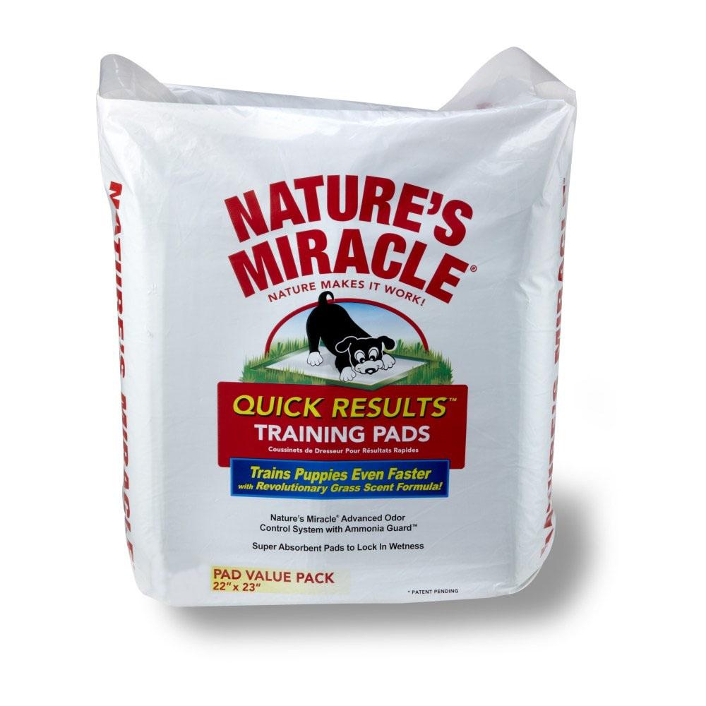 Пеленки для щенков 8 in 1 Natures Miracle, приучающие, 56 см х 58 см, 80 шт5052803Приучающие пеленки для щенков 8 in 1 Natures Miracle помогут вам в приучении собаки и избавят от неприятных запахов в доме. Многослойные приучающие пеленки содержат супер-абсорбирующие полимеры, впитывающие влагу и фиксирующие ее внутри пеленки, и дарят вам душевное спокойствие в поездках, когда животное надолго остается в одиночестве или с трудом поддается воспитанию. Пеленки Natures Miracle содержат аттрактанты, запах которых привлекает собак, и стимулирует их справлять нужду на пеленку. Пропитка с ароматом травы позволяет быстрее приучить собаку к улице после использования пеленок. Кроме того, пеленки Natures Miracle обладают Технологией контроля запахов, которая уничтожает неприятные запахи и препятствует их распространению по дому. Если вы будете поощрять животное использовать пеленку, собака перестанет ходить в туалет на ковры и другую трудно-очищаемую поверхность. Пеленки Natures Miracle идеально подходят для щенков в период приучения к гигиене и для маленьких...