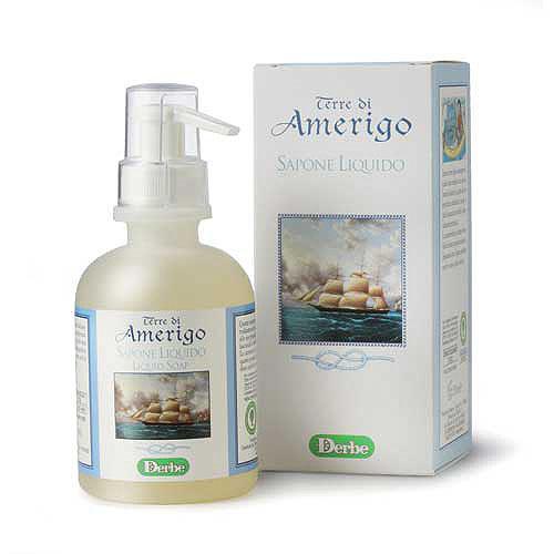 Derbe Мыло жидкое Terre Di Amerigo, 250 млA931648733Мягкое деликатное мыло Derbe Terre Di Amerigo имеет стойкий крепкий аромат, который невозможно не заметить. Ваши руки будут пахнуть так, как будто вы нанесли на них парфюм. Шампунь, мыло и дезодорант серии Terre Di Amerigo в единой парфюмерной гамме завершают образ сильного уверенного в своих силах мужчины, склонного к приключениям и авантюрам!