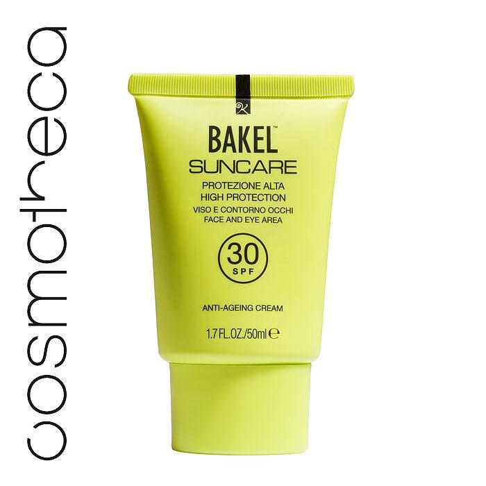 Bakel Крем Suncare для кожи лица и области вокруг глаз, солнцезащитный, антивозрастной, SPF 30, 50 млSUNF30Кожа лица особенно чувствительна к воздействию солнечных лучей, поэтому правильный выбор солнцезащитного средства существенно влияет на свежесть загара и помогает сохранить молодость. Bakel Suncare содержит особые компоненты, удовлетворяющие всем потребностям вашей кожи. Керамиды (физиологические компоненты кожи) наряду с антивозрастным воздействием повышают тонус кожи и эластичность. Солодовый экстракт препятствует разрушению волокон коллагена из-за воздействия ультрафиолетовых лучей. Масло карите глубоко питает кожу и делает ее более упругой. Вода гамамелиса виргинского - успокаивающее действие, антиоксидант; Диэтилгексил карбонат и этилгексил пальмитат - увлажнение; Олеил олеат - увлажнение; Оксид цинка - защита от УФ-лучей; Диоксид титана - защита от УФ-лучей; Этилгексилметоксициннамат - защита от УФ-лучей; Каприловый, каприновый триглицерид - питание; Глицерин - питание; Гидролизованный солодовый экстракт - антивозрастное...