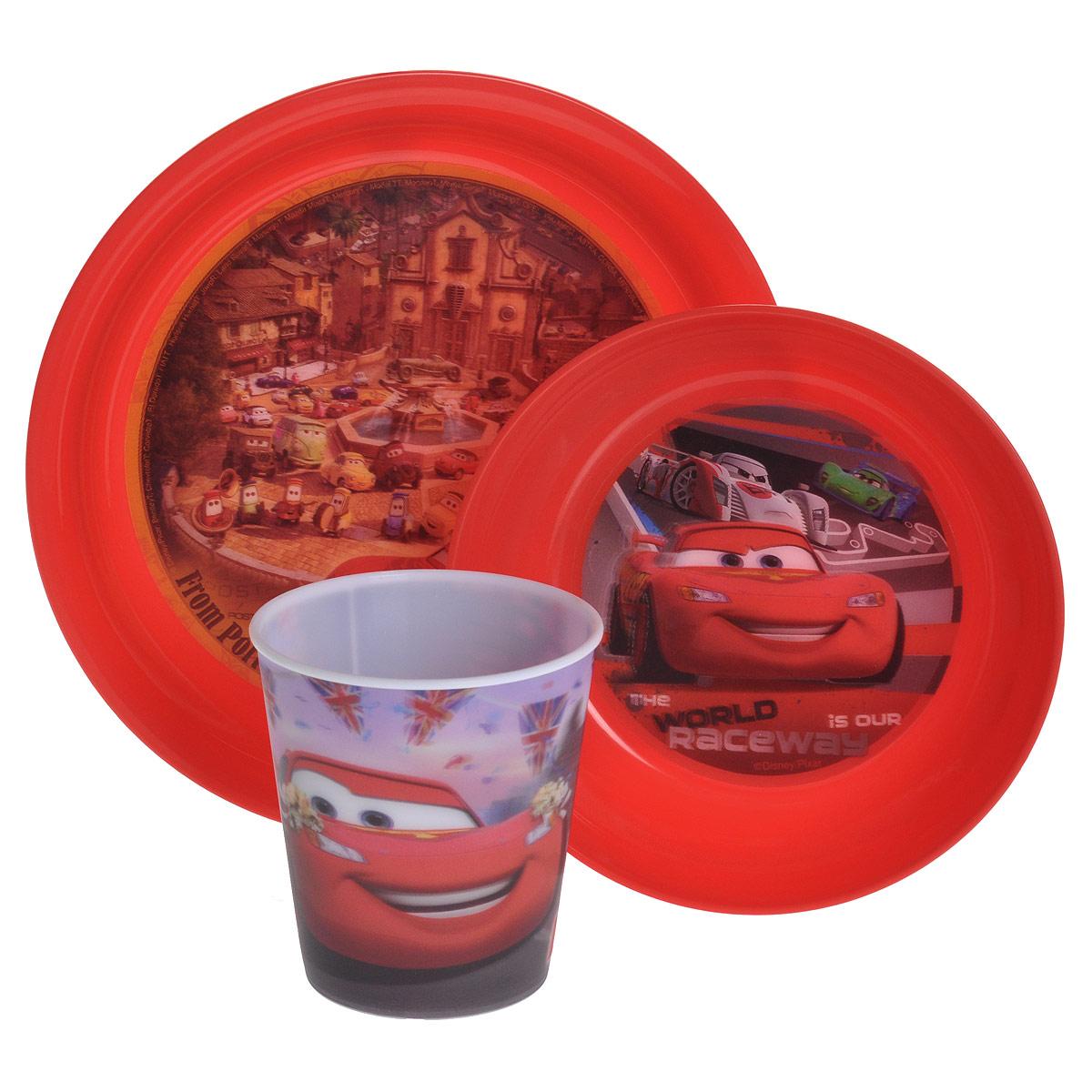 Набор детской посуды Тачки, цвет: красный, 3 предметаNCAR5Набор детской посуды Тачки состоит из стакана, миски и тарелки. Посуда, выполненная из пищевого пластика красного цвета, оформлена изображениями героев популярного мультфильма Тачки. Рисунки находятся под слоем прозрачного структурного пластика (линзы), создающего эффект объемного изображения, как в 3D кино, и исключающего попадание краски в жидкость. Небьющаяся посуда, красивая, легкая и удобная в уходе, прекрасно выдерживает горячую пищу. Ваш малыш с удовольствием будет кушать вместе с любимыми героями.