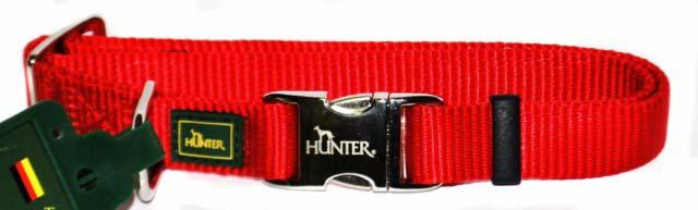 Ошейник для собак Hunter Smart ALU-Strong M, цвет: красный43515Ошейник для собак Hunter Smart ALU-Strong предназначен для собак средних пород. Ошейник изготовлен из нейлона, оснащен надежной металлической застежкой и металлическим кольцом для поводка. Бегунок позволяет регулировать и фиксировать длину ошейника. Фурнитура выполнена из хромированного металла. Обхват шеи: 35 см - 53 см. Ширина ошейника: 2,5 см.