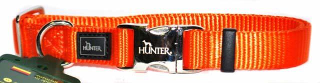 Ошейник для собак Hunter Smart ALU-Strong L, цвет: оранжевый43968Ошейник для собак Hunter Smart ALU-Strong предназначен для собак крупных пород. Ошейник изготовлен из нейлона, оснащен надежной металлической застежкой и металлическим кольцом для поводка. Бегунок позволяет регулировать и фиксировать длину ошейника. Фурнитура выполнена из хромированного металла. Обхват шеи: 45 см - 65 см. Ширина ошейника: 2,5 см.