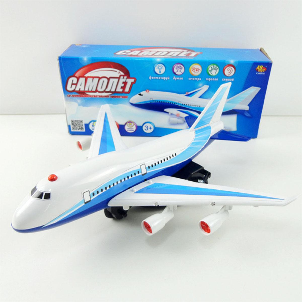 Junfa Toys СамолетC-00118Самолет игрушечный электромеханический, работает от 3 AA батареек. Со световыми и звуковыми эффектами, сделан из пластмассы. Самолет расположен на подставке, двигается вперед, влево и вправо, а также вверх и вниз, имитируя при этом взлет и посадку. Во время движения самолет издает звуки работающего двигателя, а также мигает сигнальными огнями. Функция вращения. Батарейки в набор не входят.