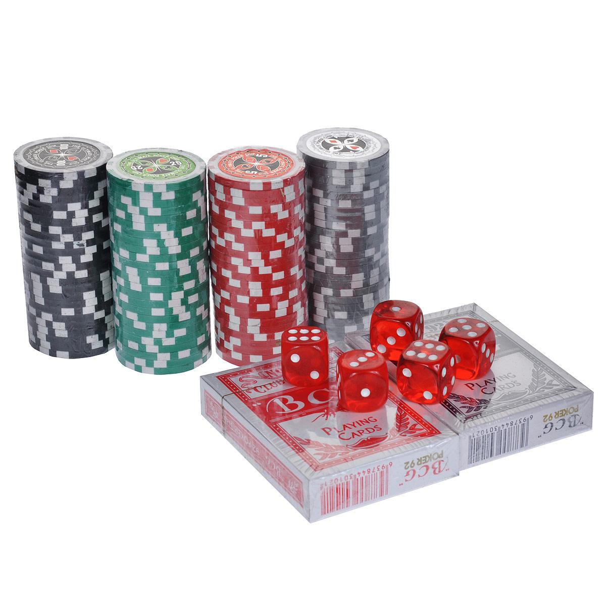 Набор для покера Poker Set, размер: 20x20x8 см. ГД5/100кГД5/100кНабор для игры в покер - то, что нужно для отличного проведения досуга. Набор состоит из двух колод игральных карт, 100 игровых пластиковых фишек, 5 игральных кубиков и фишки Dealer. Набор фишек включает 25 фишек белого цвета с номиналом 1, 25 фишек красного цвета c номиналом 25, 25 фишек зеленого цвета с номиналом 25 и 25 фишек черного цвета с номиналом 100. Предметы набора хранятся в металлическом кейсе, закрывающемся на ключ. Такой набор станет отличным подарком для любителей покера. Покер (англ. poker) - карточная игра, цель которой - выиграть ставки, собрав как можно более высокую покерную комбинацию, используя 5 карт, или вынудив всех соперников прекратить участвовать в игре. Игра идет с полностью или частично закрытыми картами. Покер как карточная игра существует более 500 лет. Зародился он в Европе: в Испании, Франции, Италии. С течением времени правила покера менялись. Первые письменные упоминания о современном варианте покера появляются в...