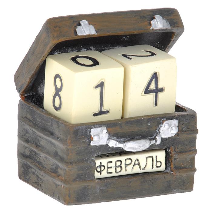 Декоративный календарь Чемодан. 3335533355 Календарь декоративный арт.33355 из полирезины (8*7*9,3 см) арт.33355Декоративный календарь Чемодан, выполненный из полирезины в виде чемодана. Дата на календаре устанавливается вручную с помощью кубиков, на которых указаны числа и месяцы. Кубики вложены в специальные отверстия в календаре и легко вынимаются. Настольный прибор послужит отличным и оригинальным украшением стола.