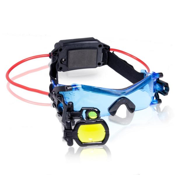 Очки ночного видения Spy Gear Спецагент, со световыми эффектами70400 (6022158)Очки ночного видения Spy Gear Спецагент непременно понравятся вашему маленькому супершпиону. Они не только позволяют видеть в темноте с помощью LED-подсветки, но и способны приближать изображения объектов с помощью увеличительного стекла так, что ни одна улика не останется в тени. А кроме всего прочего, эти очки еще и выглядят по-настоящему стильно. Очки выполнены из высококачественного пластика, а для надежной фиксации на голове предусмотрена текстильная резинка. Основные характеристики: Блок питания; Кнопка вкл/выкл; Регулируемое крепление для головы; Подкладка для лба; Две голубых светодиодных подсветки; Мягкая подкладка для носа; Линза 2-х кратного увеличения; Выдвигающаяся прицельная рамка; Безопасные соединительные провода. В комплект входят шпионские очки и подробная инструкция по эксплуатации на русском языке. Ваш ребенок будет в восторге от такого подарка! Необходимо...