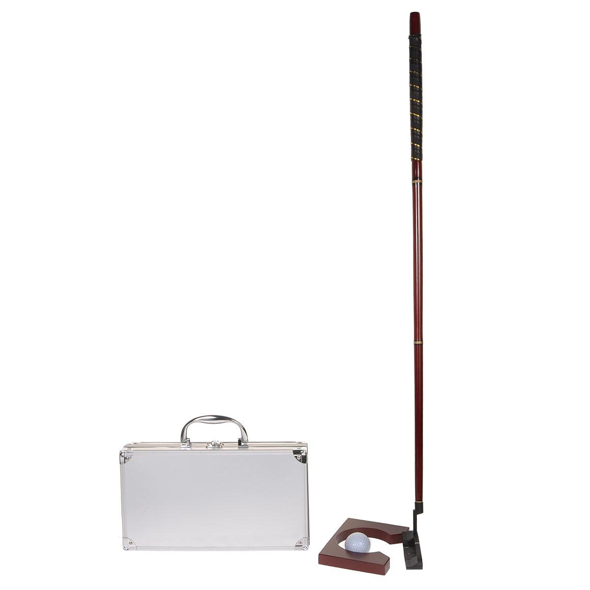Набор для игры в гольф Silver Line, размер: 38x30х9 см. 71027102Набор для игры в гольф Silver Line состоит из складной клюшки, 2 мячей и лунки. Все предметы набора хранятся в металлическом кейсе, который закрывается на задвижку. Клюшка, выполненная из лакированного дерева красного цвета, легко собирается и разбирается и имеет легкую головку Г-образной формы. Ручка клюшки оснащена резиновой вставкой. Такие клюшки называются паттер и предназначены для игры на грине и нанесения патов - катящих ударов, которыми мяч закатывается в лунку. Теперь с ее помощью в гольф можно играть и в помещении. Такой набор для игры в гольф порадует любого гольфиста, ведь играть и тренировать удары можно не выходя из помещения. Оригинальный подарок к любому случаю.