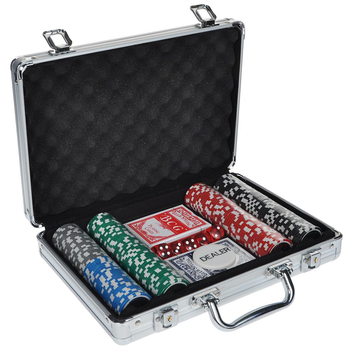 Набор для покера, размер: 30х21х8см. ГД5/200кГД5/200кНабор для игры в покер - то, что нужно для отличного проведения досуга. Набор состоит из двух колод игральных карт, 200 игровых пластиковых фишек, фишки Dealer и 5 игровых кубиков. Набор фишек состоит из 25 фишек белого цвета с номиналом 1, 50 фишек красного цвета c номиналом 5, 50 фишек зеленого цвета с номиналом 25, 25 фишек синего цвета с номиналом 50 и 50 фишек черного цвета с номиналом 100. Предметы набора хранятся в металлическом кейсе, закрывающемся на ключ. Такой набор станет отличным подарком для любителей покера. Покер (англ. poker) - карточная игра, цель которой - выиграть ставки, собрав как можно более высокую покерную комбинацию, используя 5 карт, или вынудив всех соперников прекратить участвовать в игре. Игра идет с полностью или частично закрытыми картами. Покер как карточная игра существует более 500 лет. Зародился он в Европе: в Испании, Франции, Италии. С течением времени правила покера менялись. Первые письменные упоминания о...
