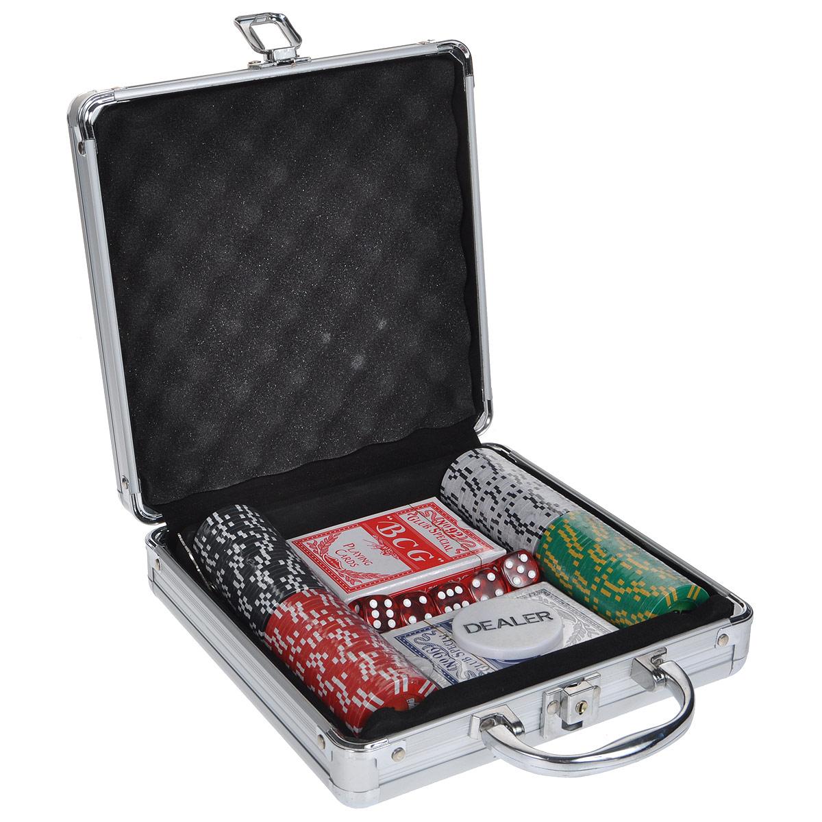 Набор для покера, размер: 20x20x8 см. ГД4/100кГД4/100кНабор для игры в покер - то, что нужно для отличного проведения досуга. Набор состоит из двух колод игральных карт, 100 игровых пластиковых фишек, фишки Dealer и 5 игровых кубиков. Набор фишек состоит из 25 фишек белого цвета с номиналом 1, 25 фишек красного цвета c номиналом 5, 25 фишек зеленого цвета с номиналом 25 и 25 фишек черного цвета с номиналом 100. Предметы набора хранятся в металлическом кейсе, закрывающемся на ключ. Такой набор станет отличным подарком для любителей покера. Покер (англ. poker) - карточная игра, цель которой - выиграть ставки, собрав как можно более высокую покерную комбинацию, используя 5 карт, или вынудив всех соперников прекратить участвовать в игре. Игра идет с полностью или частично закрытыми картами. Покер как карточная игра существует более 500 лет. Зародился он в Европе: в Испании, Франции, Италии. С течением времени правила покера менялись. Первые письменные упоминания о современном варианте покера появляются в...
