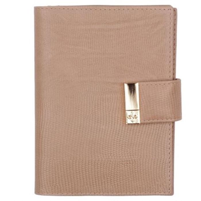 """Бумажник водителя Dimanche Elite Beige, цвет: бежевый. 731731Стильный бумажник водителя Elite Beige выполнен из натуральной мягкой кожи с тиснением """"под варана"""". На внутреннем развороте расположено два вертикальных кармана из кожи, четыре прорезных кармашка для кредиток или визитных карточек, карман для sim-карты, прозрачный блок из шести карманов для документов и отделение для паспорта. Бумажник закрывается при помощи хлястика на кнопку. Бумажник не только поможет сохранить внешний вид ваших документов и защитит их от повреждений, но и станет ярким аксессуаром, который подчеркнет ваш образ. Бумажник водителя упакован в подарочную картонную коробку с логотипом фирмы. Характеристики: Материал: натуральная кожа, текстиль, ПВХ. Размер обложки: 10 см х 13,5 см х 2 см. Цвет: бежевый."""