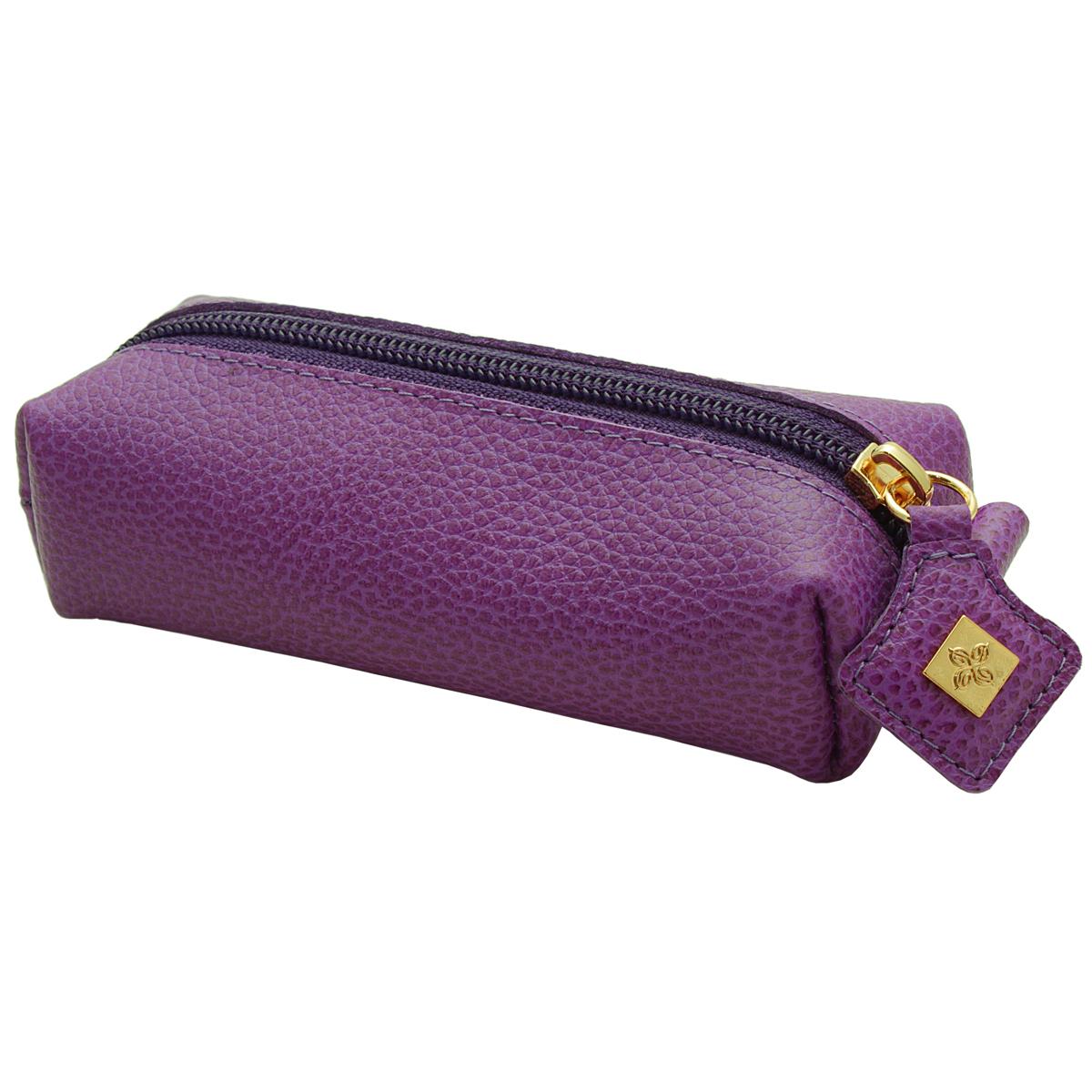 Ключница Dimanche Purpur, цвет: пурпурный. 108108Компактная ключница Purpur - стильная вещь для хранения ключей. Ключница выполнена из натуральной кожи. Состоит из одного отделения, закрывающегося на застежку-молнию. Внутри ключницы на кожаной петле крепится металлическое кольцо для ключей.