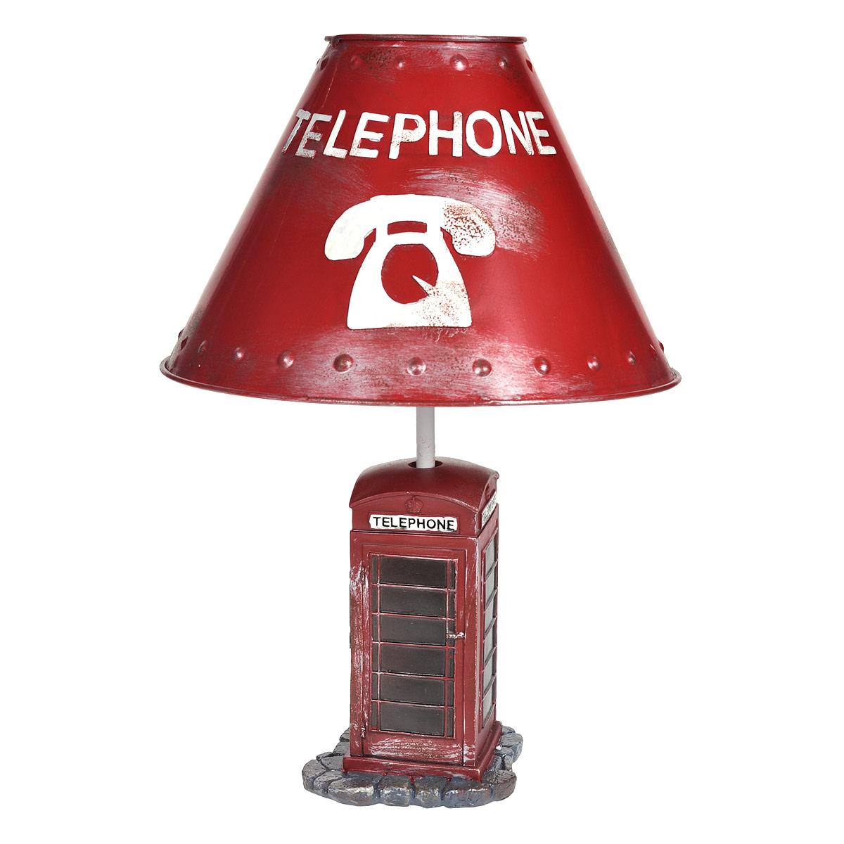 Светильник настольный Телефонная будка. 2933829338Настольный светильник, изготовленный из полирезины, выполнен в виде красной телефонной будки и оформлен металлическим абажуром красного цвета. Такой светильник прекрасно подойдет для украшения интерьера и создания атмосферы тепла и уюта. Внутри светильника расположена лампа накаливания. Светильник работает от электросети и включается при помощи кнопки на шнуре.