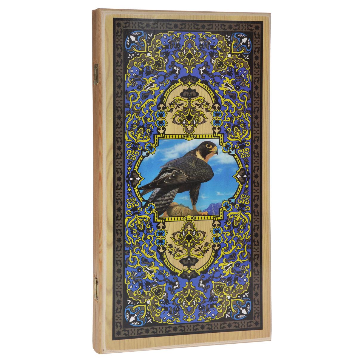 Нарды малые Походные. Орел, цвет: светлое дерево, размер: 40х20х4 см. 1045/51045/5 светлНарды Походные. Орел представляют собой деревянный кейс, который закрывается на металлический замок. Крышка оформлена орнаментом. Внутренняя часть кейса - игровое поле для игры в нарды. В наборе имеются два игральных кубика и деревянные шашки. Цель игры состоит в том, чтобы сначала привести шашки в свой дом (мешая в тоже время сделать это сопернику), а затем, когда это удалось сделать, снять их с доски быстрее соперника. Побеждает тот, кто первым снял свои шашки. Нарды - древняя восточная игра. Родина этой игры неизвестна, однако, известно, что люди играют в эту игру уже более 7000 лет. На игровой доске для нард все кратно шести и имеет связь со временем. 24 пункта представляют 24 часа, 30 шашек представляют 30 дней в месяце, 12 пунктов на каждой стороне доски символизируют 12 месяцев. Нарды - это отличный подарок, который понравится каждому.