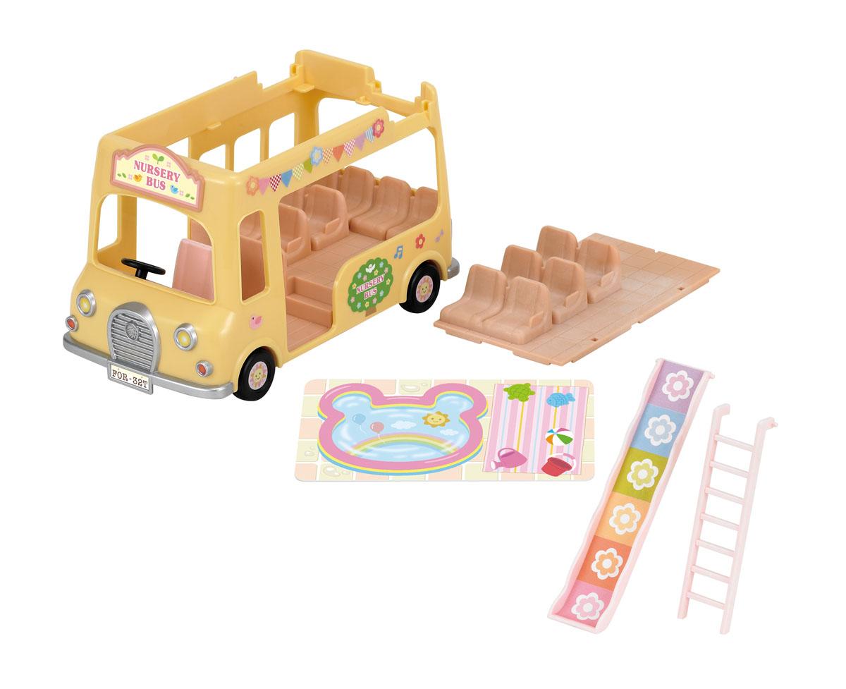 Sylvanian Families Игровой набор Двухэтажный автобус для малышей3588Игровой набор Sylvanian Families Двухэтажный автобус для малышей привлечет внимание вашей малышки и не позволит ей скучать. Набор включает в себя двухэтажный детский автобус с лестницей, горкой и сиденьями, а также наклейки для его оформления. Ваша малышка будет часами играть с набором, придумывая различные истории. Sylvanian Families - это целый мир маленьких жителей, объединенных общей легендой. Жители страны Sylvanian Families - это кролики, белки, медведи, лисы и многие другие. У каждого из них есть дом, в котором есть все необходимое для счастливой жизни. В городе, где живут герои, есть школа, больница, рынок, пекарня, детский сад и множество других полезных объектов. Жители этой страны живут семьями, в каждой из которой есть дети. В домах Sylvanian Families царит уют и гармония. Домашние животные радуют хозяев. Здесь продумана каждая мелочь, от одежды до мебели и аксессуаров.