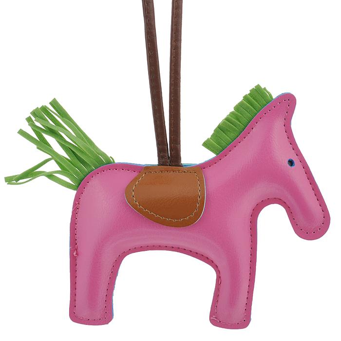 Подвеска на сумку Cheribags, цвет: розовый. Лошадка 18Лошадка 18Подвеска Cheribags выполнена из высококачественной экокожи в виде фигурки лошадки. Подвеска оснащена петелькой из кожи, благодаря чему ее можно повесить на сумку. Стильная вещица порадует любительницу ярких и необычных аксессуаров.