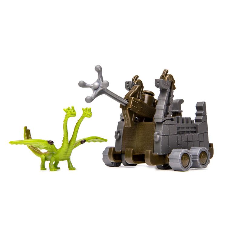 Набор для битв Dragons Zippleback vs. Zipplecatcher66561_2Набор для битв Dragons Zippleback vs. Zipplecatcher создан на основе масштабных батальных сцен из мультфильма «Как приручить дракона 2». По сюжету драконы сражаются против боевых машин. В набор входит фигурка дракона Кошмарного пристеголова и Ловец пристеголовов. С помощью этого набора для битвы ребенок сможет самостоятельно воссоздать картину сражения прямо в своей комнате и окунется в гущу событий мультфильма, будет проигрывать любимые сцены или придумывать свои истории!