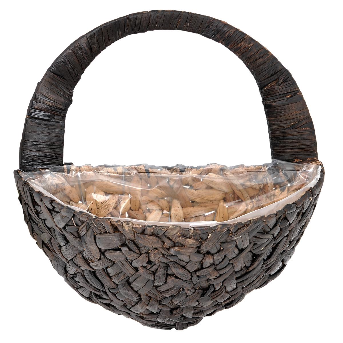 Кашпо настенное Gardman, 40 х 22 х 20 см 0278902789Настенное кашпо Gardman выполнено в виде плетеной корзинки из водного гиацинта. Каркас изготовлен из металла. Корзина уже оснащена специальной пленкой и полностью готова для посадки растений. Прекрасно подходит для цветов. Кашпо часто становятся последним штрихом, который совершенно изменяет интерьер помещения или ландшафтный дизайн сада. Благодаря такому кашпо вы сможете украсить вашу комнату, офис или сад.