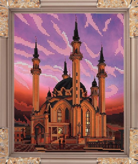 Набор для вышивания бисером Мечеть Куф аль Шариф, 19,1 х 24 смК-178В набор для вышивания Мечеть Куф аль Шариф входит все необходимое для создания собственного чуда: чешский бисер, ткань с нанесенным рисунком-схемой, специальная бисерная игла и инструкция. Времена меняются, а истинные ценности всегда остаются в моде. К таким ценностям можно отнести любовь девушки, женщины к рукоделию. Представьте себе картину: девушка, сидящая в своей светлице перед веретеном у окна, напевающая красивую песню, задумчиво прядет, ловко управляясь с нитью. Старо? Можно придумать что-нибудь более современное. Например, молодая женщина сидит в уютном креслице с вышивкой на коленях, а рядом бегают малыши в вязанных ее руками штанишках. Или так. Бабушка в кресле-качалке вышивает икону... Наверняка придуманные вами образы овеяны ореолом романтики, тепла, света. И это неудивительно, рукоделие - пища не только (и даже не столько) для рук, сколько для души. И еще немного - для ума, ведь регулярное вышивание ...