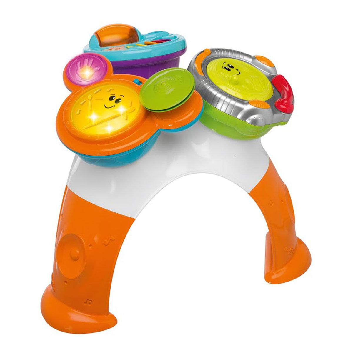 Музыкальный игровой столик Chicco Rock Band00005224000000Музыкальный игровой столик Chicco Rock Band не позволит скучать вашему малышу. Он выполнен из прочного безопасного пластика ярких цветов. На столешнице крепятся три элемента. Один из них представляет собой ди-джейский пульт, на котором диск вращается со скретч-эффектом, бегунок передвигается из стороны в сторону со звуком трещотки. На другом элементе расположены разноцветные створки с нотками и прозрачная вращающаяся сфера. Внутри нее находятся маленькие шарики, которые перекатываются и задорно гремят при вращении. Третий элемент со световыми эффектами выполнен в виде барабанной установки с тарелками. Она предусматривает три режима: Создай ритм - ребенок свободно играет на барабанах, извлекая различные звуковые эффекты, выражая свое творческое начало. Придерживайся такта - малыш старается играть на ударных в такт мелодии. Сочини песню - ребенок сочиняет собственные произведения в различных стилях. Элементы легко снимаются, ими можно играть отдельно. ...