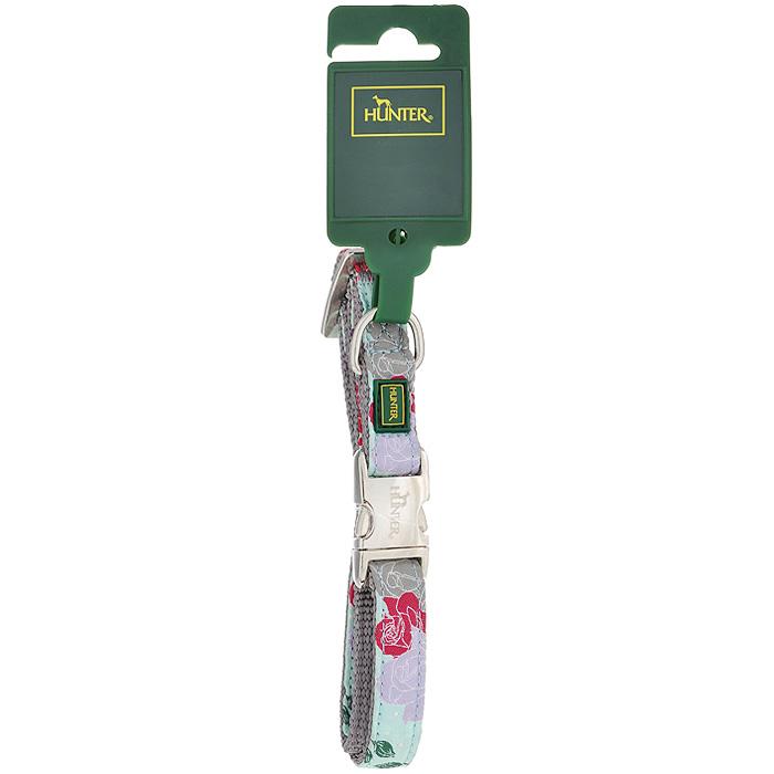 Ошейник для собак Hunter Smart Rose, цвет: ментол, размер S47617Ошейник для собак Hunter Smart Rose выполнен из нейлона с цветочным принтом и предназначен для собак мелких и средних пород. Ошейник снабжен надежной металлической застежкой и металлическим кольцом для поводка. Благодаря пластиковому бегунку размер ошейника регулируется и фиксируется. Обхват шеи: 30 см - 45 см. Ширина ошейника: 1,5 см.