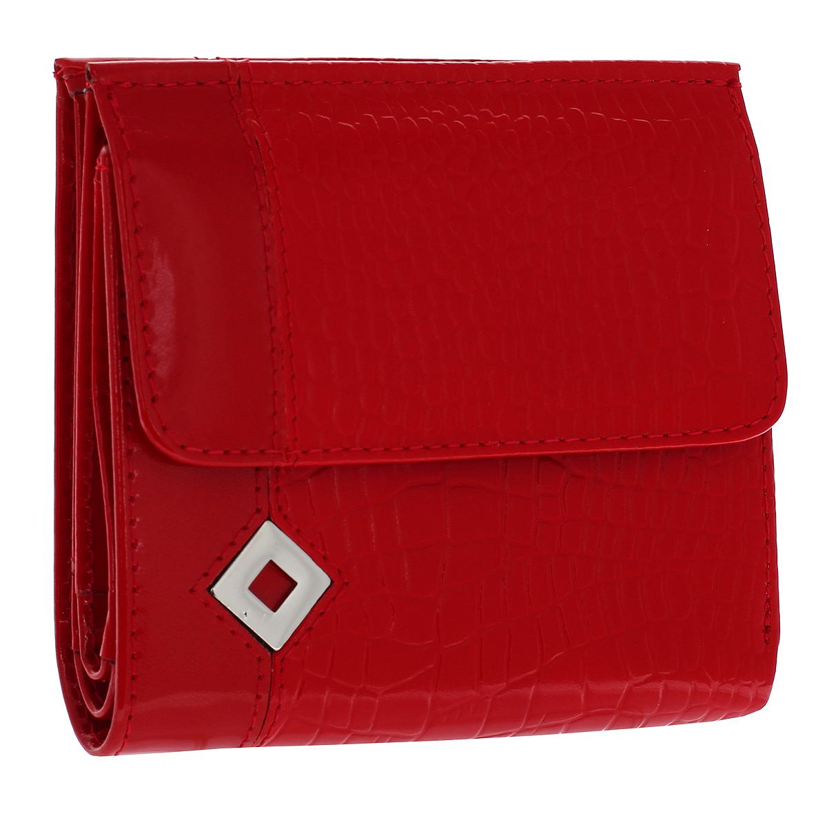 Кошелек женский Dimanche Papillon Rouge, цвет: красный. 424424Кошелек Dimanche Papillon Rouge изготовлен из натуральной лакированной кожи красного цвета с декоративным тиснением под рептилию. Лицевая сторона украшена металлическим значком в виде ромба. Кошелек закрывается на магнитную кнопку. На передней стенке расположен объемный карман для мелочи, закрывающийся клапаном на кнопку. Внутри кошелька содержится 2 отделения для купюр, дополнительный карман на молнии, 2 прорезных кармана для пластиковых карт, кармашек для сим-карты, 2 потайных вертикальных кармашка для мелких бумаг и окошко для фотографии. Внутри кошелек отделан атласным полиэстером красного цвета с рисунком. Фурнитура - серебристого цвета. Стильный кошелек отлично дополнит ваш образ и станет незаменимым аксессуаром на каждый день. Упакован в фирменную картонную коробку коричневого цвета. Характеристики: Материал: натуральная кожа, полиэстер, металл. Цвет: красный. Размер кошелька (ДхШхВ): 10 см х 10,5 см х 2,5 см.