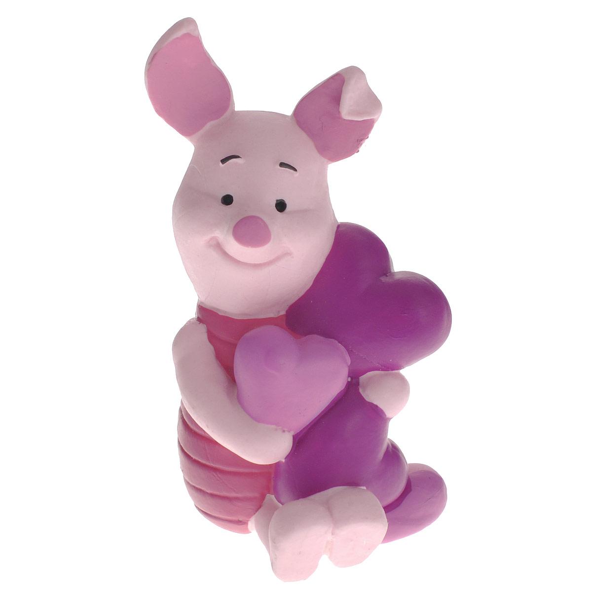Фигурка Хрюня и сердце, 6,5 см12326Фигурка «Хрюня и сердце» непременно придется по душе вам и вашему ребенку. Она выполнена в виде героя из мультфильма студии Уолта Диснея «Винни-Пух и все, все, все» - милого и обаятельного Пятачка с сердечками в лапках. Хрюна добрый и чуткий персонаж, он очень хрупкий и ранимый, всего боится, но вопреки всему, он обладает сердцем храброго поросенка. Фигурка выполнена из высококачественного, нетоксичного материала и абсолютно безопасна для ребенка. С такой фигуркой ваш ребенок окунется в гущи событий мультсериала, будет проигрывать любимые сцены или придумывать свои истории.