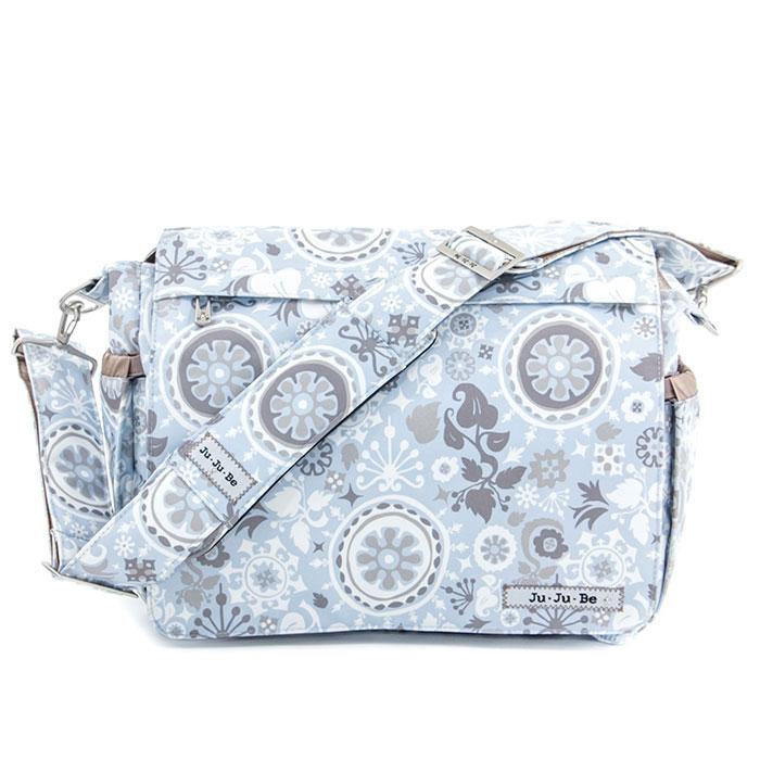Сумка для мамы Ju-Ju-Be Better Be. Pixie Dust, цвет: голубой, серо-коричневый12MM01A-1568Вашу сумку для подгузников можно стирать в стиральной машине? У вашей сумки светлая подкладка с антимикробным покрытием? Ваша сумка суперфункциональная, удобная, модная и отлично выглядит? Тогда это Better Be! Стильная сумка для мамы Ju-Ju-Be станет незаменимым аксессуаром для прогулок с ребенком на свежем воздухе, для визитов к врачу, похода в гости или по магазинам, а также во время поездок. Основные характеристики сумки для мамы Ju-Ju-Be Better Be. Выполнена из мягкого прочного материала с защитным тефлоновым покрытием (Teflon), обладающим грязеотталкивающими и водонепроницаемыми свойствами; Антимикробное покрытие подкладки Agion, предохраняющее от неприятных запахов и плесени; Благодаря технологии CrumbDrains можно не беспокоиться о крошках, они выпадут через специальные мини-отверстия по бокам; Основное отделение закрывается клапаном на магнит, в него поместятся сразу несколько подгузников и множество...