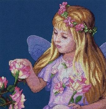 Набор для вышивания Dimensions Фея цветов, 28 см х 28 см692491