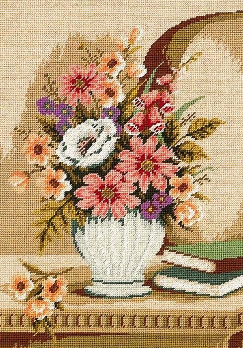 Набор для вышивания гобелена Ваза с цветами, 35 х 50 см411/50Красивый и стильный рисунок-вышивка, выполненный на канве, выглядит оригинально и всегда модно. В наборе для вышивания Ваза с цветами есть все необходимое для создания собственного чуда: канва с напечатанным рисунком, вышивальные нити, игла и руководство по вышиванию. Работа, сделанная своими руками, создаст особый уют и атмосферу в доме и долгие годы будет радовать вас и ваших близких. Ведь вы выполните вышивку с любовью!