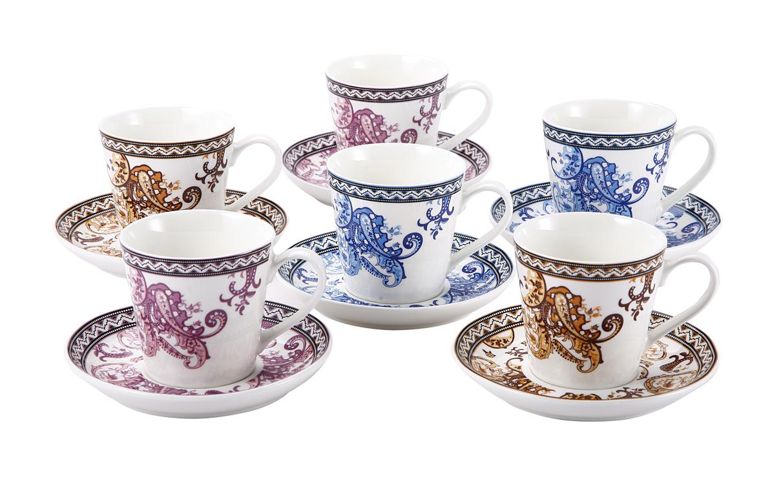 Набор чайный Wellberg Ethnique, 12 предметов. 12103WB12103WBЧайный набор Wellberg Ethnique состоит из шести чашек и шести блюдец. Предметы набора выполнены из высококачественного фарфора белого цвета и оформлены разноцветным этническим рисунком. Глазурованная поверхность препятствует образованию пятен, ограничивает впитывание влаги и продлевает срок службы. Чайный набор яркого и в тоже время лаконичного дизайна сделает ежедневное чаепитие настоящим праздником. Можно использовать в микроволновой печи и для хранения продуктов в холодильнике. Подходит для мытья в посудомоечной машине.
