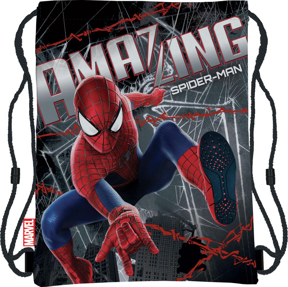 Сумка для сменной обуви Spider-Man, цвет: черныйSMBB-UT1-883Сумка для сменной обуви Spider-Man идеально подойдет как для хранения, так и для переноски сменной обуви и одежды. Сумка выполнена из мягкого водоотталкивающего материала и дополнена одним вместительным отделением, затягивающимся с помощью текстильного шнурочка. Шнурки фиксируются в нижней части сумки, благодаря чему ее можно носить за спиной как рюкзак. Оформлено изделие ярким принтом с изображением Человека-паука - главного героя мультфильма Spider-Man.