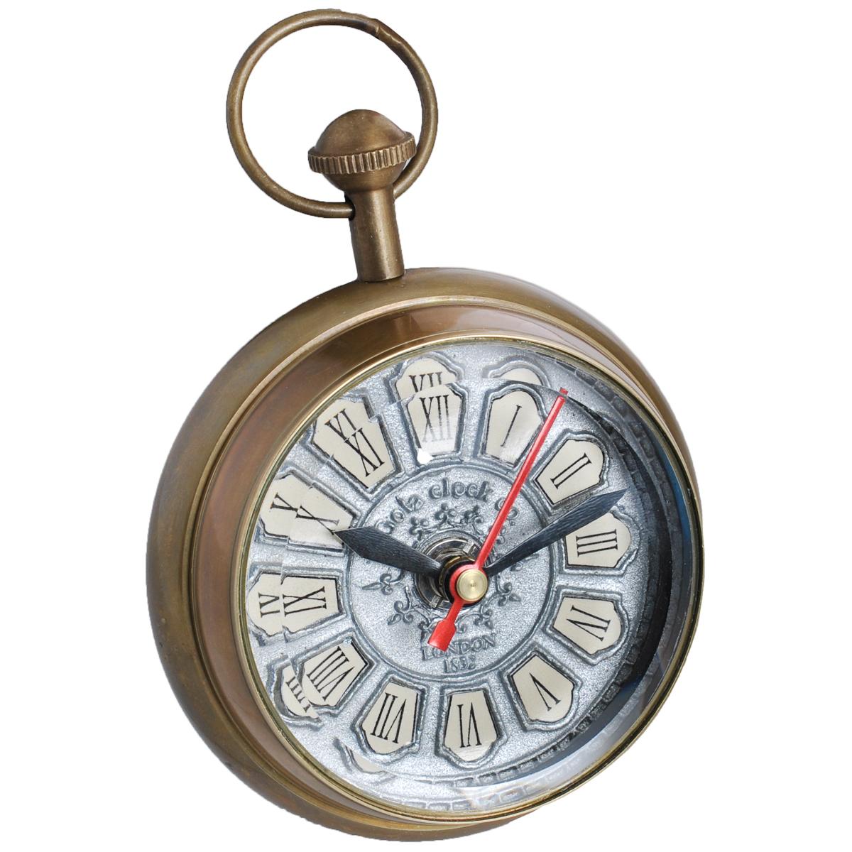 Часы сувенирные Win Max, цвет: бронзовый. 3582035820Часы Win Max с кварцевым механизмом работают бесшумно и требуют лишь примерно раз в год замены батарейки. Часы оснащены часовой, минутной и секундной стрелками. Алюминиевый рельефный циферблат выполнен в старинном стиле и оформлен римскими цифрами. Изготовленные из латуни и стекла, они, несомненно, будут привлекать к себе внимание. Такие часы легко впишутся в любой интерьер и станут великолепным подарком! Характеристики: Материал: металл (латунь), стекло. Общий размер часов (ДхШхВ): 9 см х 6,5 см х 12 см. Диаметр циферблата: 7 см.